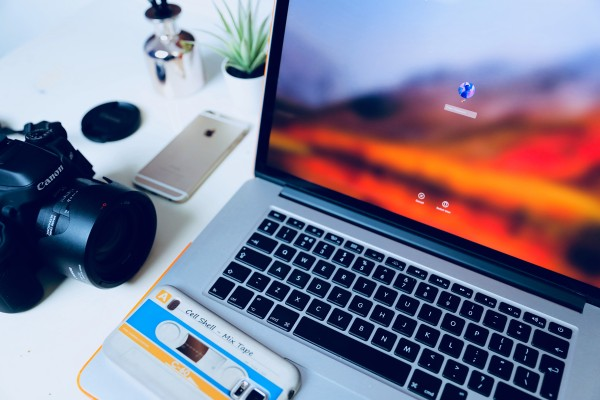 6 Freelancers Working Remotely Earn $1000 per Month